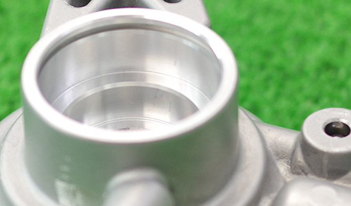 アルミ鋳造部品の切削加工